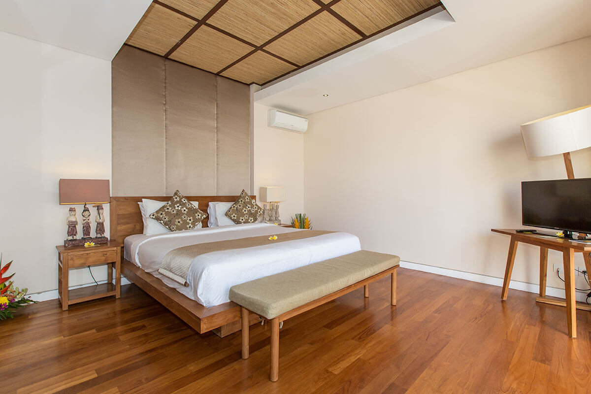 3 bedroom Villas -Romantic retreat in bali, kuta , Seminyak, Legian