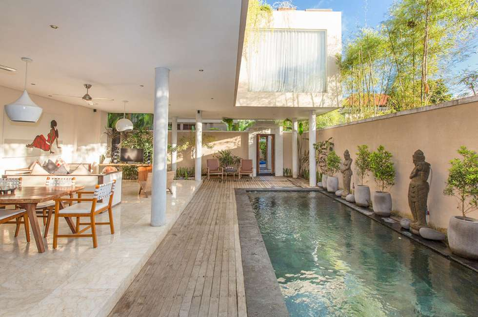 4-star 3 bedroom Pool villas in Legian