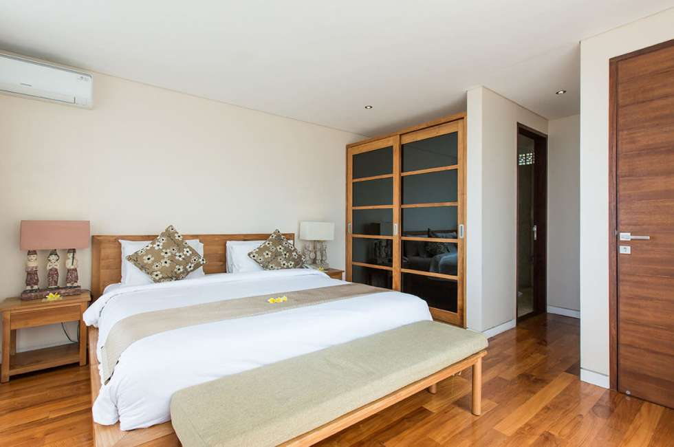 4-star 3 bedroom Villas near the coastal area of Kuta