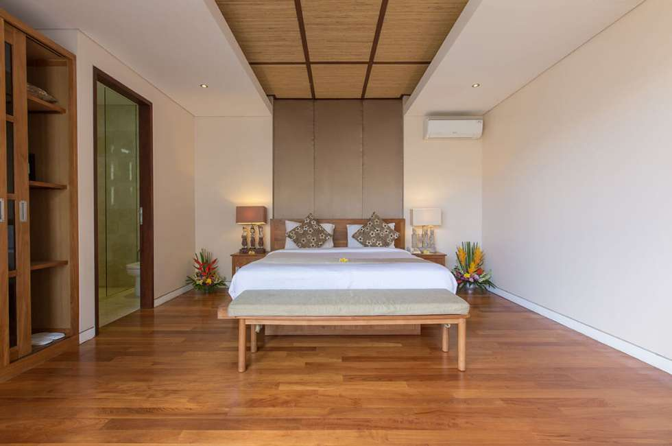 luxurious 3 bedroom villas in Kuta